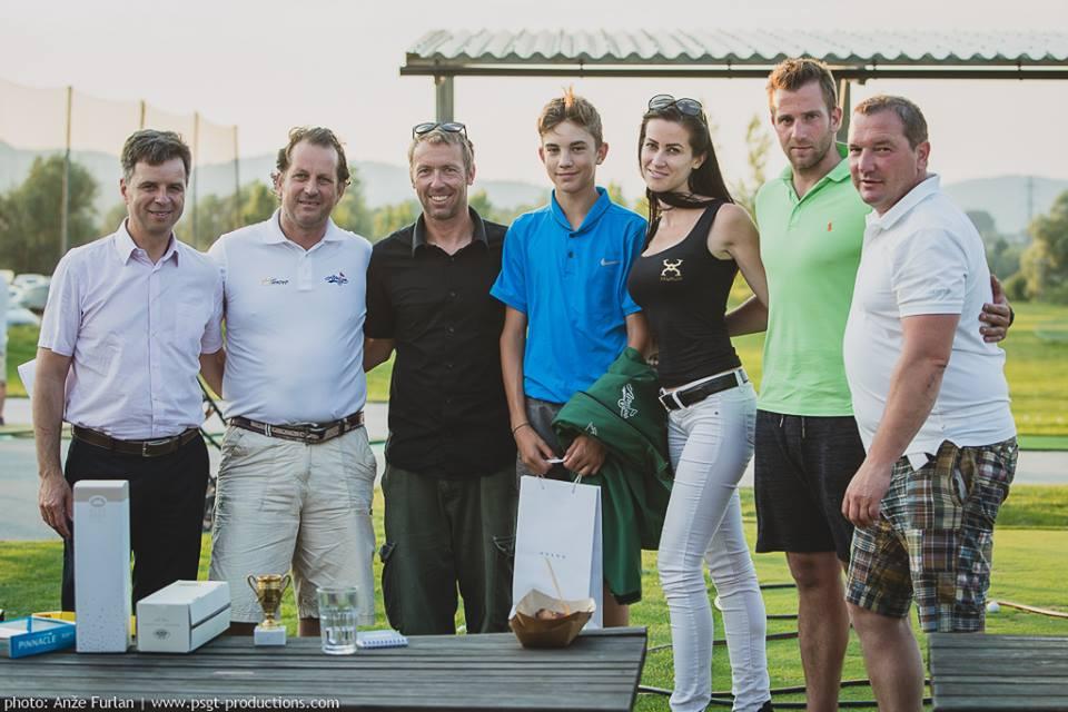 Golf turnirji in družabno življenje